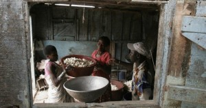 family-africa-food-RTX7A3V-628x330