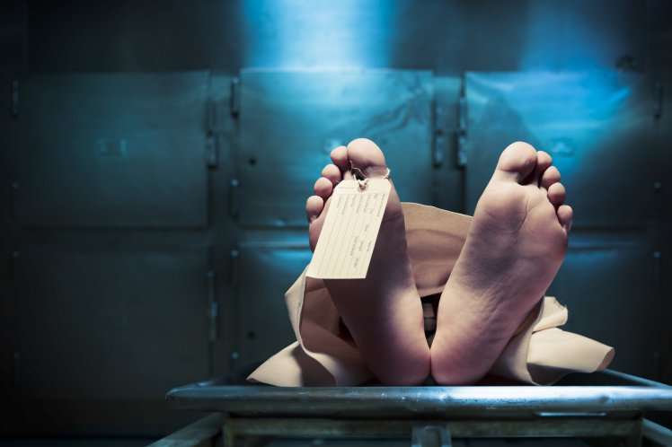 Polish man wakes up in morgue, goes back to pub (Shutterstock)